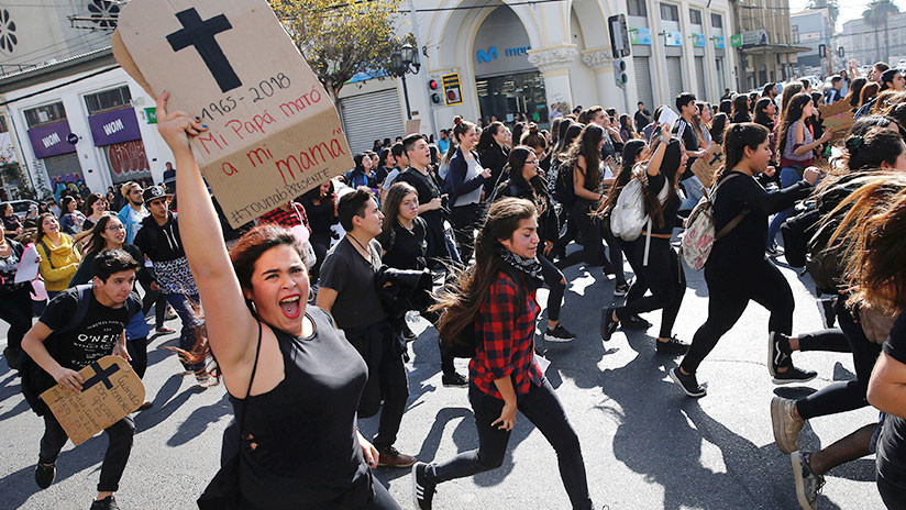 FOTOS: Miles de mujeres protestan contra el acoso sexual y el machismo en Chile