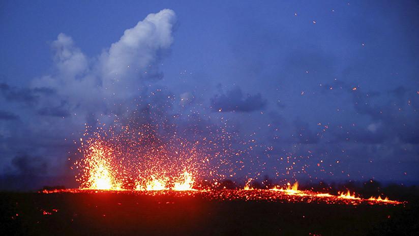 Hawái: El volcán Kilauea lanza una columna de cenizas tras una erupción en la cima