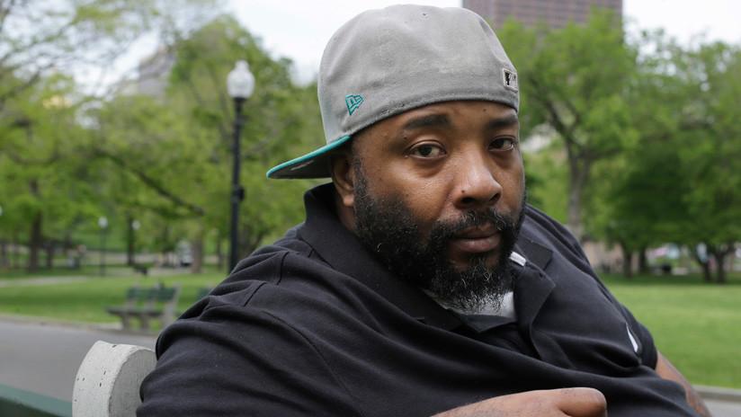 Demanda un millón a Burger King tras ser encarcelado por error, acusado de pagar con dinero falso