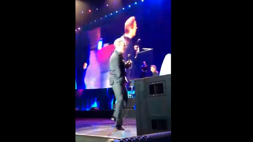 VIDEO: El cantante mexicano Luis Miguel protagoniza un muy incómodo momento sobre el escenario