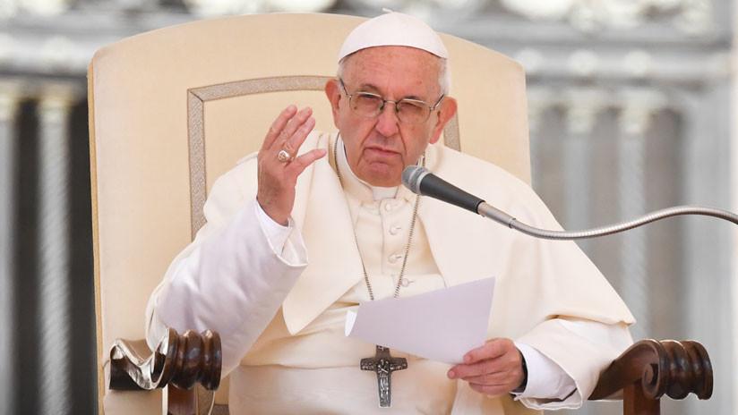 """El papa Francisco solicitó la renuncia a los obispos chilenos: """"Es necesario hacerlo"""""""