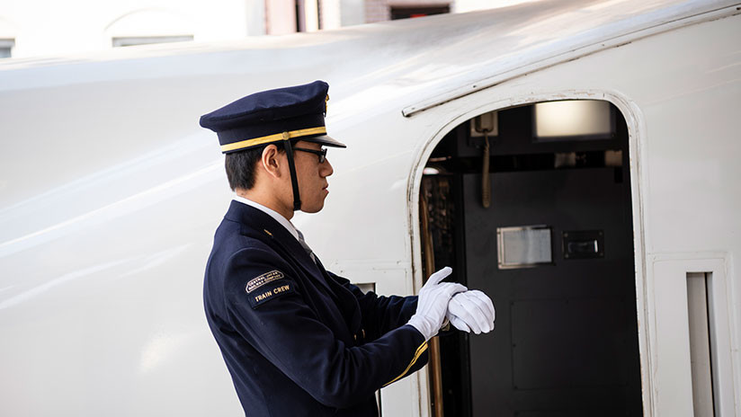 """""""Inexcusable"""": Una empresa ferroviaria japonesa se disculpa porque un tren salió 25 segundos antes"""