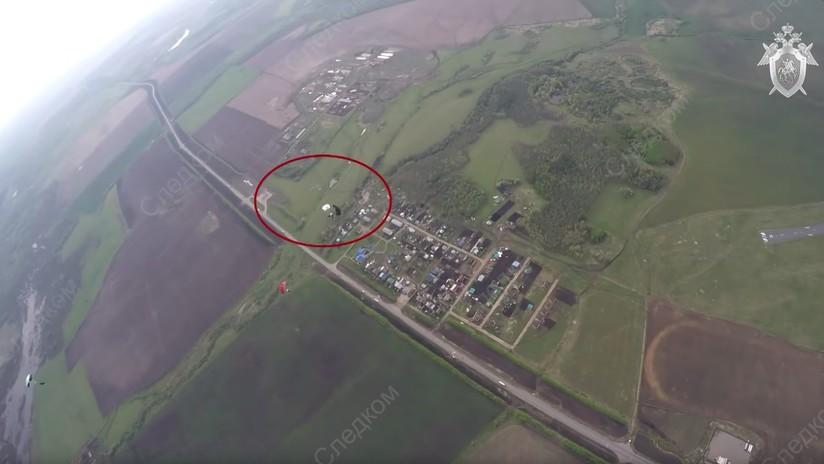 FUERTE VIDEO: Dos deportistas rusos mueren al enredarse sus paracaídas en el aire