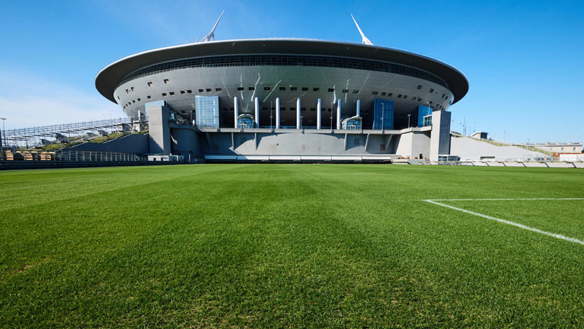 El césped movible del innovador estadio de San Petersburgo, listo para el Mundial 2018