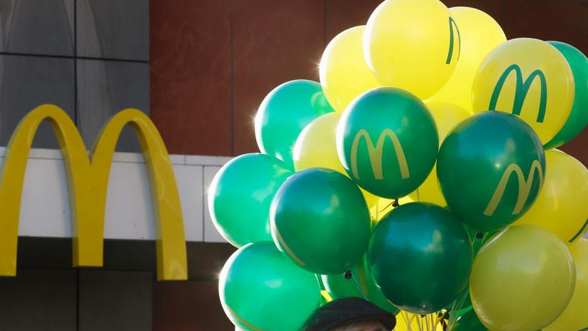 """""""Es una bomba de relojería"""": Expertos advierten sobre presencia de globos de McDonald's en el mar"""