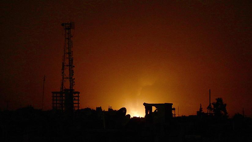 Los sistemas antiaéreos rusos derriban un aparato volador cerca de la base de Jmeimim en Siria