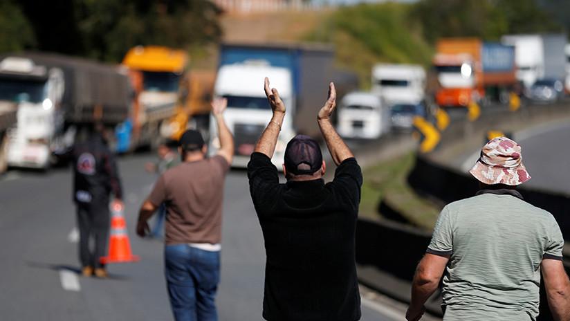 Brasil: Camioneros bloquean vías del país tras aumento en el precio del combustible (FOTOS, VIDEO)