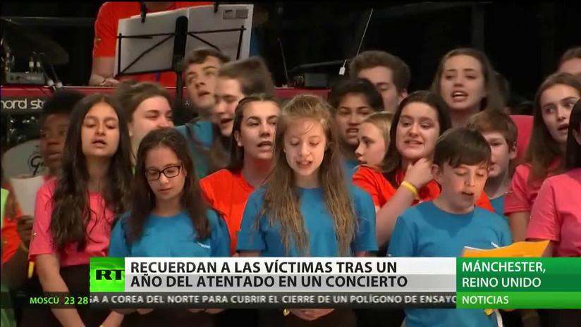 Recuerdan a las víctimas tras un año del atentado en un concierto en Mánchester