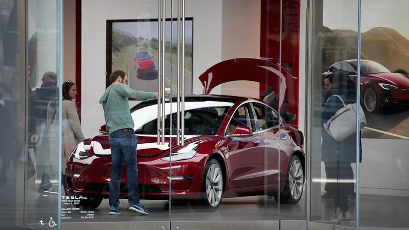 Musk mejorará el Modelo 3 de Tesla después de valoraciones negativas