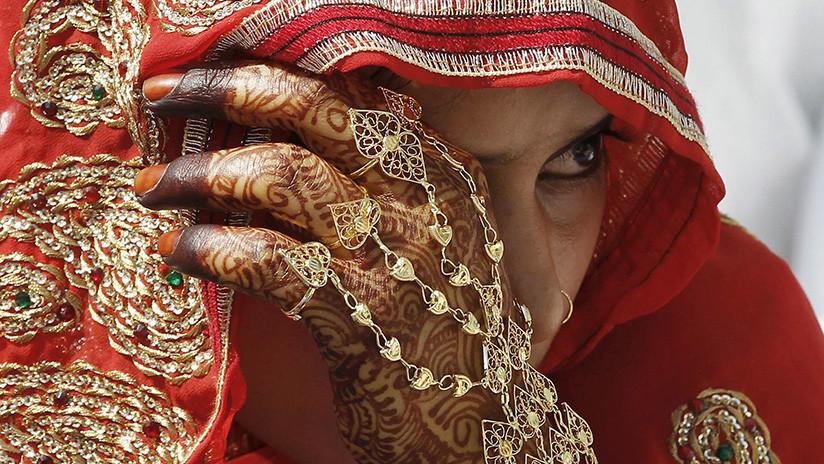 Condenan en Reino Unido a una mujer por forzar a su hija adolescente a casarse