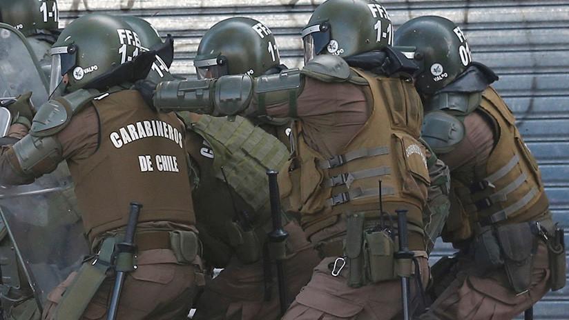 VIDEO: Carabineros de Chile irrumpen con violencia en las instalaciones del Instituto Nacional