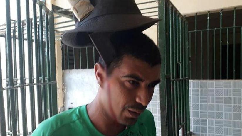 VIDEO IMPACTANTE: Este preso brasileño tiene un machete clavado en la cabeza y no se inmuta