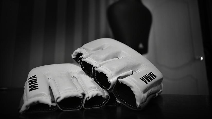 VIDEO: Un luchador de MMA se fractura un dedo del pie tras golpear a su rival en la ingle