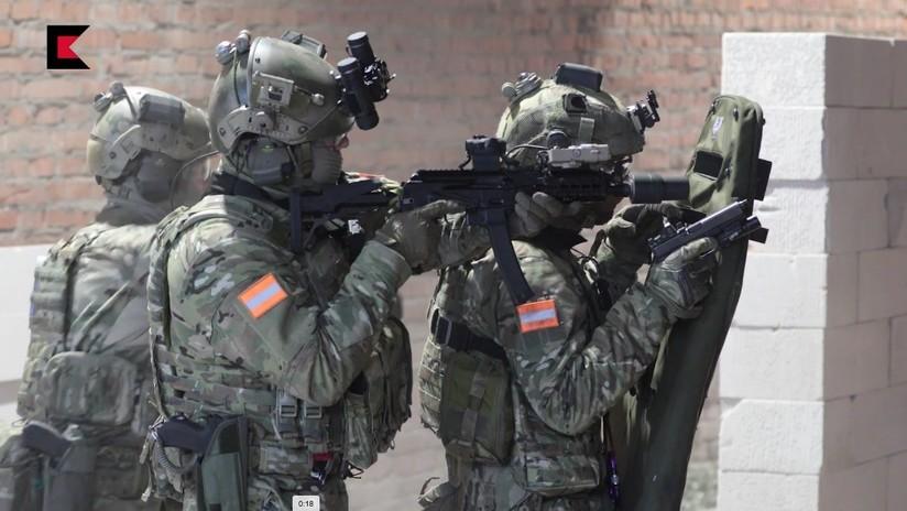 VIDEO: El fabricante ruso Kaláshnikov muestra sus modernas y mortíferas armas en acción