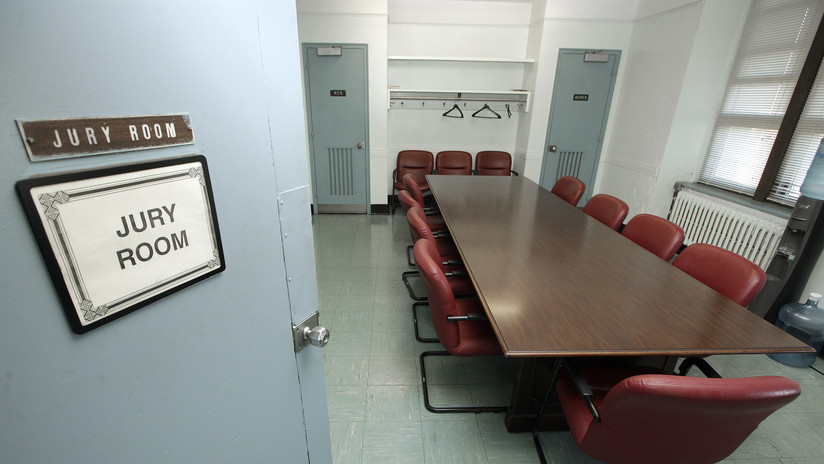 VIDEO: Un recluso custodiado protagoniza una espectacular fuga de un tribunal