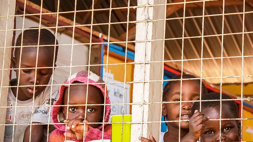 Una foto de 'niños migrantes enjaulados' se vuelve viral… pero fue tomada en la época de Obama