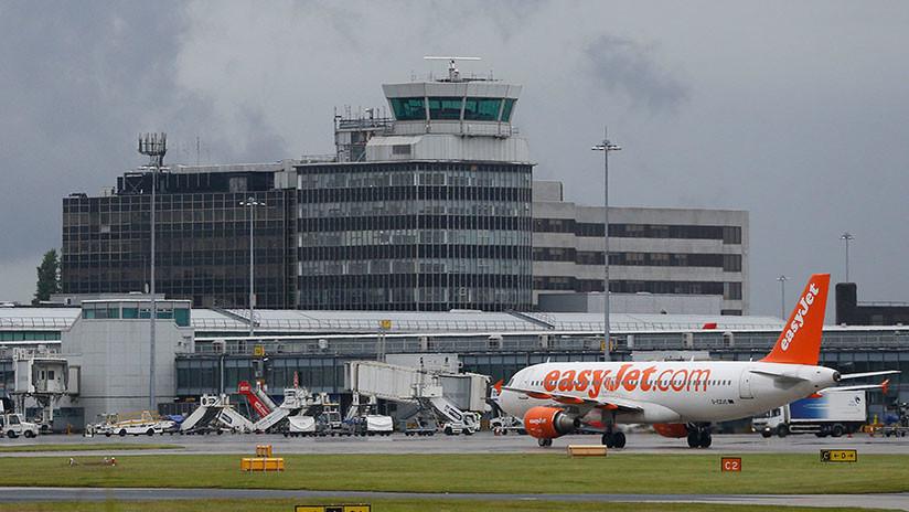 """FOTOS: Evacúan el aeropuerto de Manchester por un """"fuerte ruido"""" en el primer piso"""