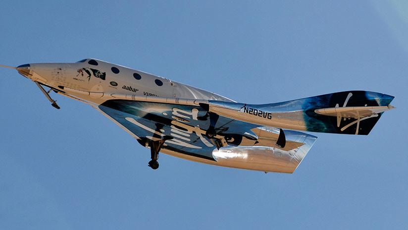 FOTO: La nave turística de Virgin Galactic realiza su segundo vuelo de prueba propulsado