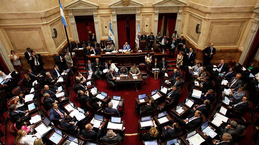 A prueba la gestión de Macri: La ley 'antitarifazos' llega al Senado argentino