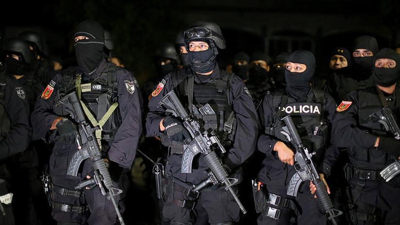 Ejecuciones extrajudiciales y numerosos escándalos envuelven a la Policía de El Salvador