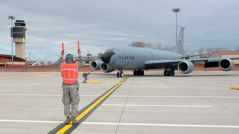 VIDEO: Un avión militar de EE.UU. aterriza de emergencia en un aeropuerto de Wisconsin
