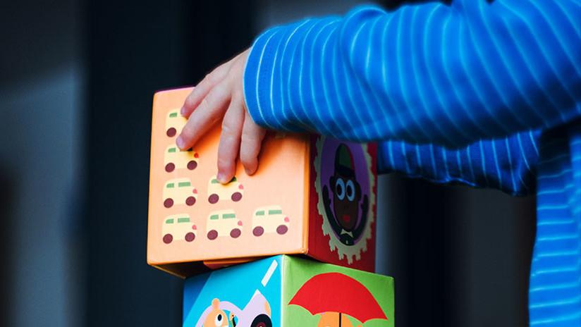 """Niño de tres años """"vende"""" cocaína a sus compañeros del jardín de infantes imitando a sus padres"""
