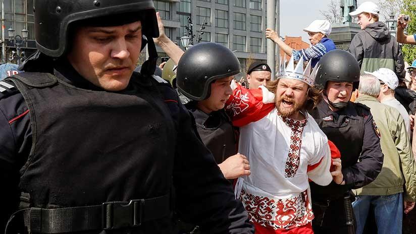 Al menos 300 personas detenidas en medio de protestas en Rusia