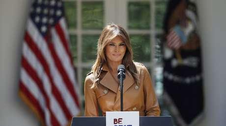 La primera dama de EE.UU., Melania Trump, en el jardín de la Casa Blanca, Washington, el 7 de mayo de 2018.