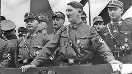 Adolf Hitler en la ciudad alemana de Dortmund en 1933.