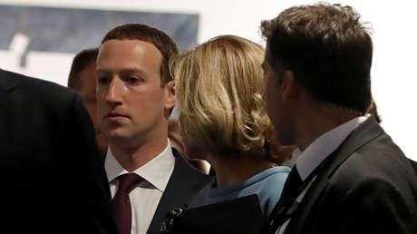 El fundador de Facebook, Mark Zuckerberg, luego de su comparecencia ante el Parlamento Europeo, 22 de mayo de 2018.