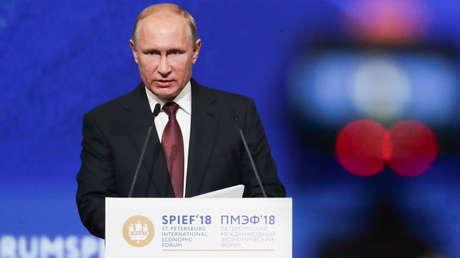 El presidente ruso Vladímir Putin en el Foro Económico Internacional de San Petersburgo, 25 de mayo de 2018