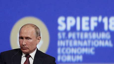 Vladímir Putin en el Foro Económico Internacional de San Petersburgo, 25 de mayo de 2018