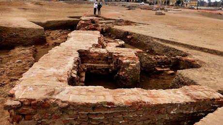 Sección de una estructura de ladrillo grecorromana descubierta en el sitio arqueológico de Sa el-Hagar, al norte de El Cairo.