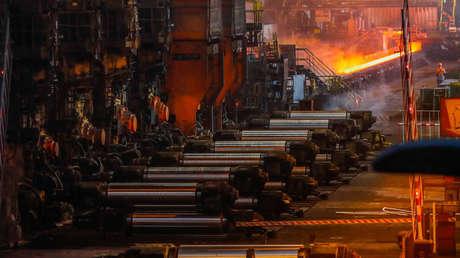 Bobinas metálicas en la planta siderúrgica de ArcelorMittal en Gante (Bélgica), el 22 de mayo de 2018.