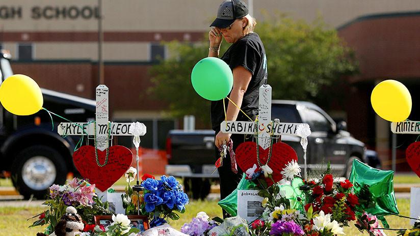 """10 muertos: Abogados aseguran que el tirador de escuela en Téxas no tenía a nadie como """"objetivo"""""""