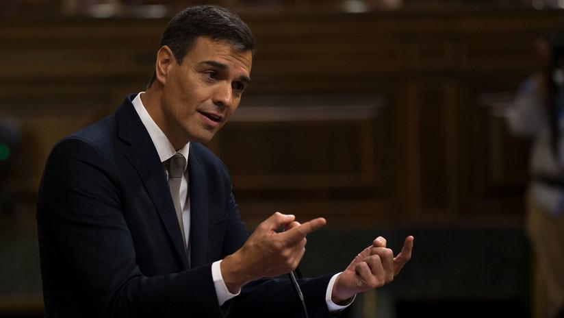 Sin Biblia ni crucifijo: Pedro Sánchez jura su cargo de presidente del Gobierno