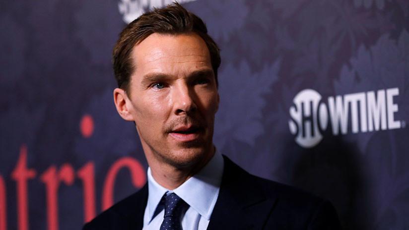 El actor británico Benedict Cumberbatch salva a un repartidor del ataque de cuatro ladrones