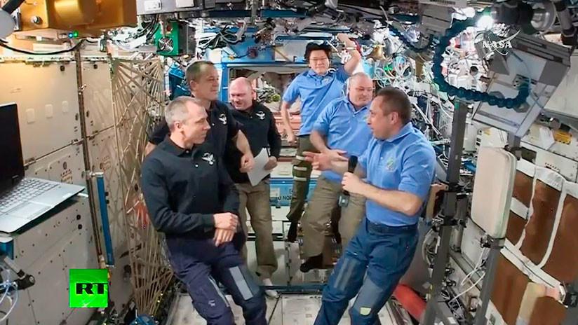 VIDEO: La nave Soyuz vuelve a la Tierra desde la EEI