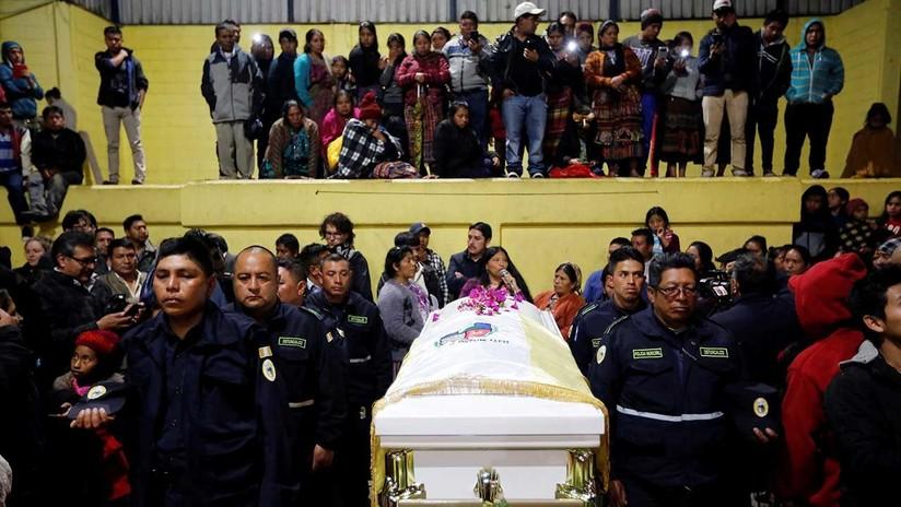 Entre llantos y lluvia: Dan el último adiós a la guatemalteca asesinada en EE.UU.