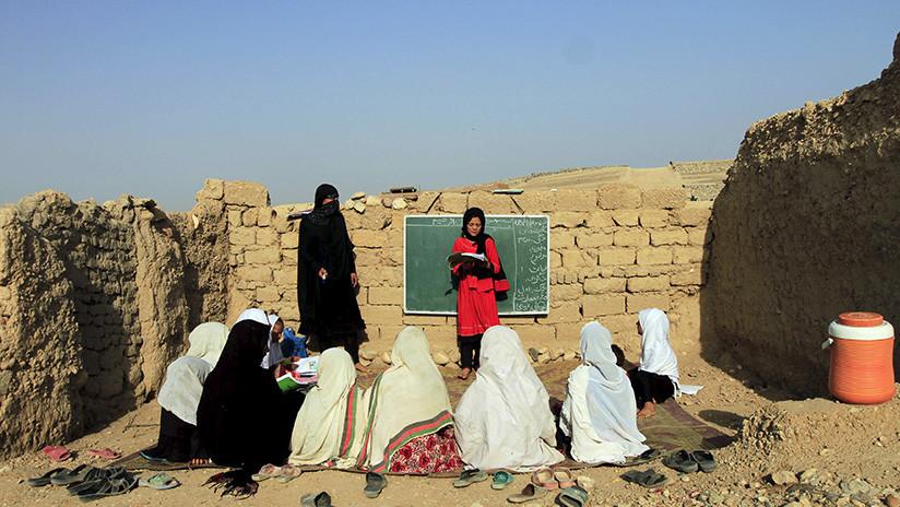 Unicef: La mitad de los niños afganos no van a la escuela debido a los combates y la discriminación