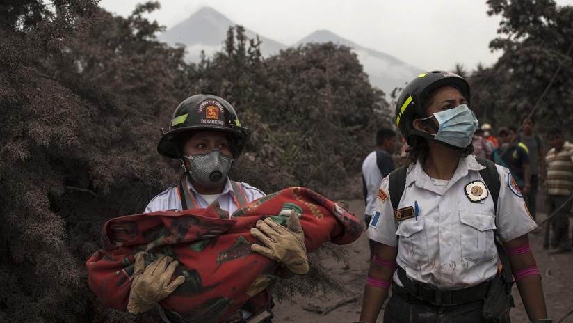 Videos impactantes durante y después de la erupción del Volcán de Fuego en Guatemala