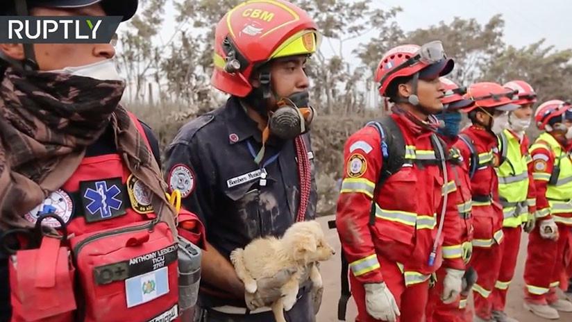 VIDEO: La frenética operación de rescate a las víctimas del Volcán de Fuego en Guatemala