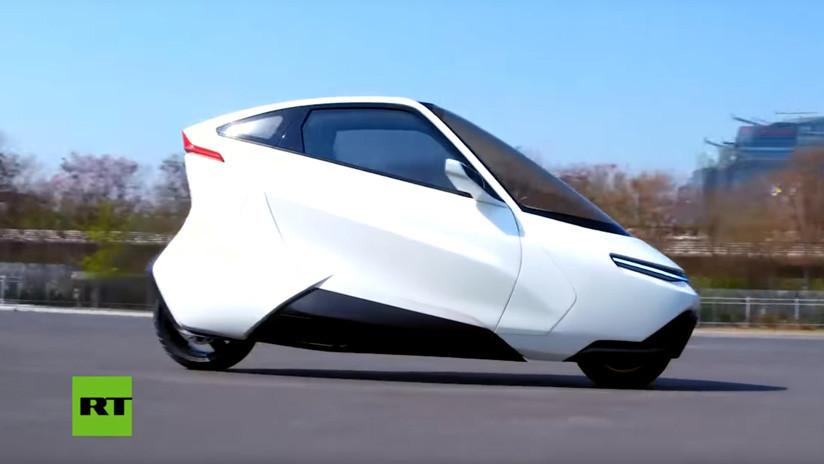 VIDEO: Este electromóvil inspirado en un Ford de 1961 busca invertir la suerte de los girocarros