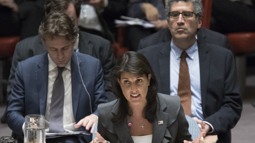 """""""Nadie dictará a EE.UU. cómo mantener sus fronteras"""": Nikki Haley acusa a la ONU de """"hipocresía"""""""