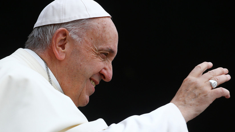 """""""Internet es un don de Dios"""": Papa Francisco insta a aprovechar posibilidades de las redes sociales"""