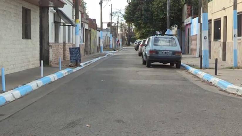 VIDEO: Pintan de celeste y blanco la ciudad natal de Messi antes del Mundial