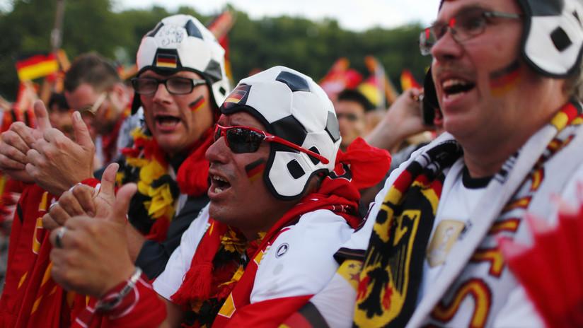 VIDEOS, FOTO: Un aficionado alemán viaja al Mundial de Rusia 'a bordo' de un barril de cerveza