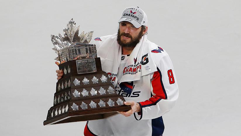 Ovechkin, primer jugador ruso de hockey premiado como el más valioso de la Copa Stanley