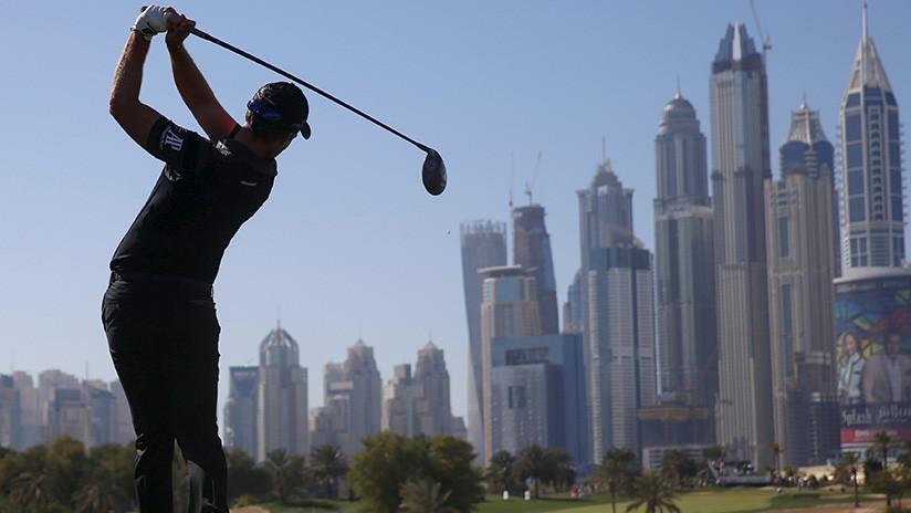 FOTOS: La arena del desierto 'devora' las carreteras de Dubái