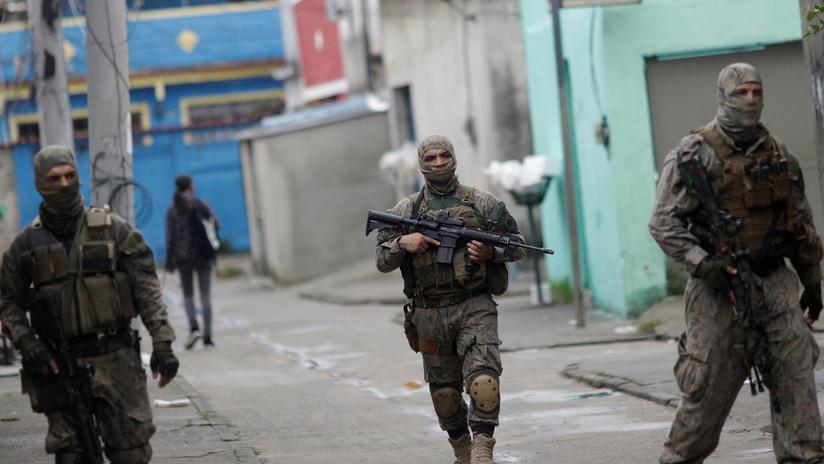 Suspenden operaciones en aeropuerto de Río de Janeiro por un tiroteo (VIDEOS)